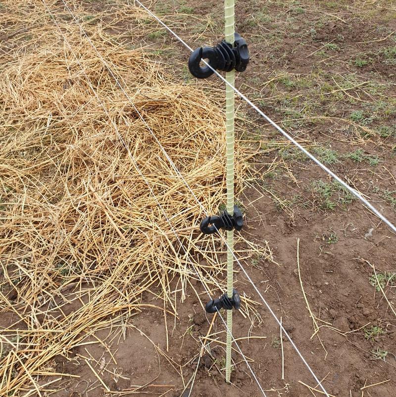 Приспособления для крепления проводов электропастуха