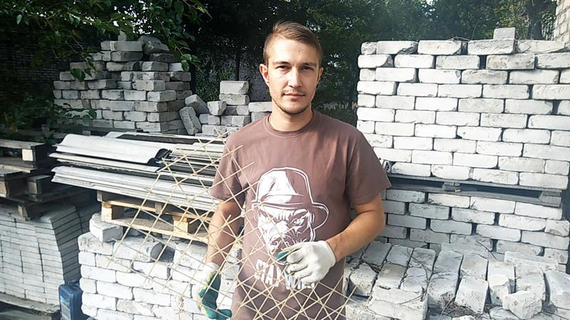 Композитная стеклопластиковая сетка от завода СтеклоПласт очень востребована в строительной сфере