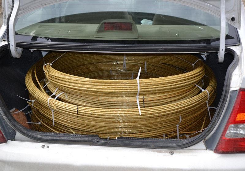 Стеклопластиковая арматура легко помещается в багажнике легковушки