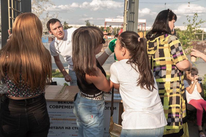 Сломать арматуру СтеклоПласт и получить денежный приз пытались даже дети! К слову, это не удавалось сделать даже крепким мужчинам!