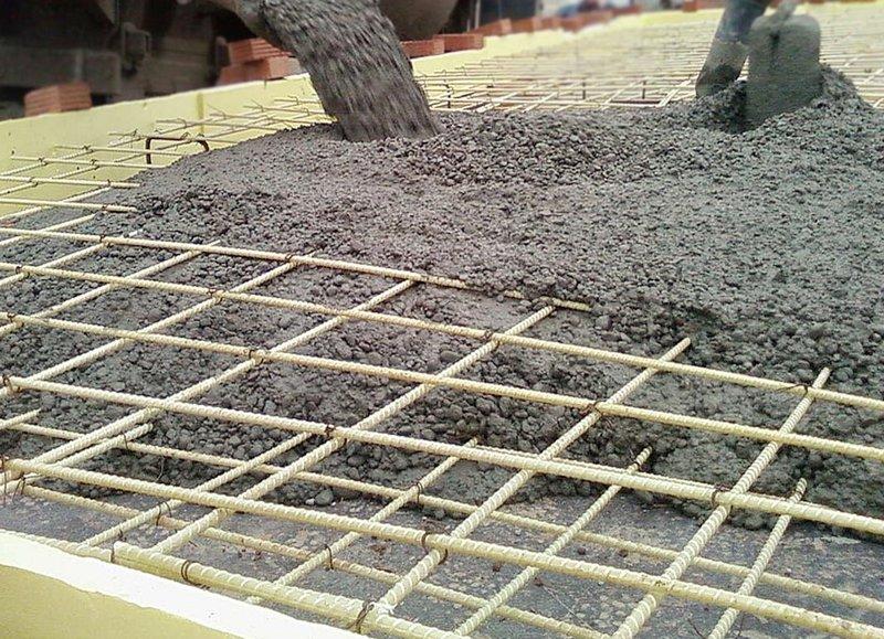Монолитная бетонная плита (подушка), армирование композитными материалами